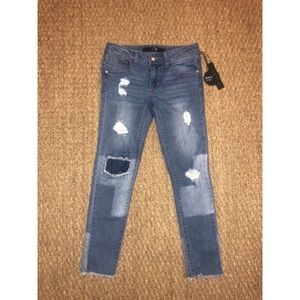 NWT Joe's Jeans Distressed Jeans